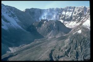 LavaDome_USGS_Lyn Topinka_1984
